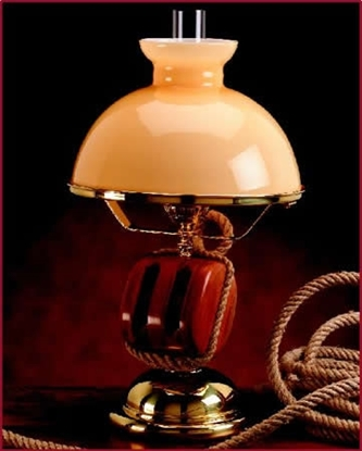 Picture of Table lamp in laquered brass overall