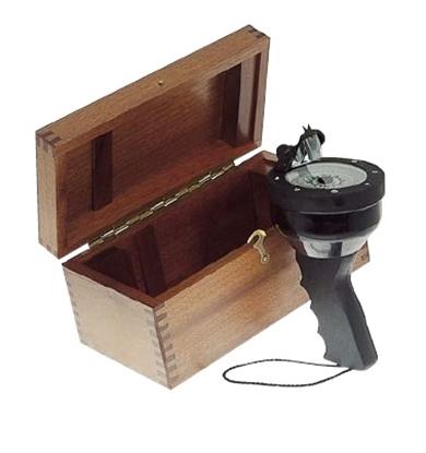 Caixa de madeira para agulha de mão