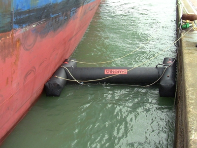 Picture of Vikoseal ship to shore boom sealing system